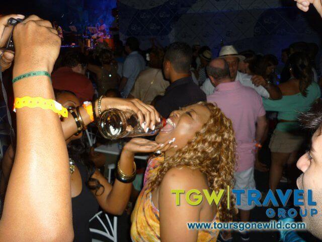 rio-carnival2012-200