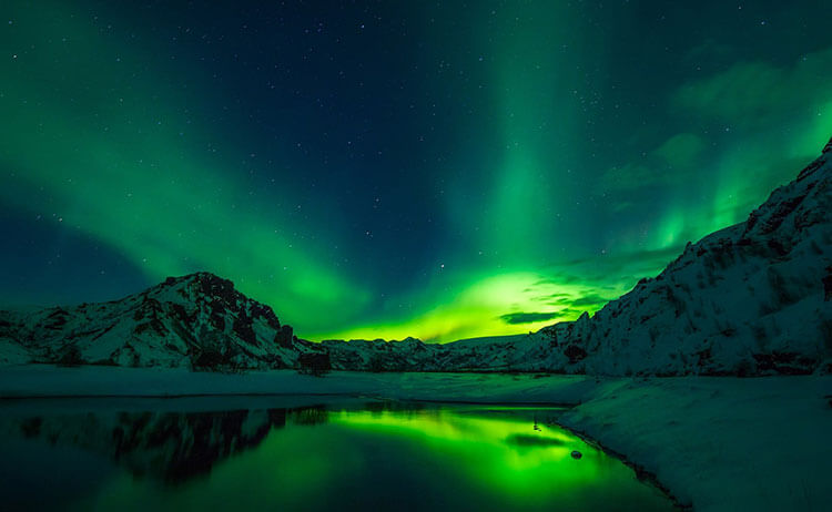 best time to see northern lights iceland
