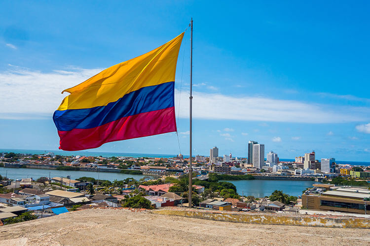 is it safe to travel to Colombia