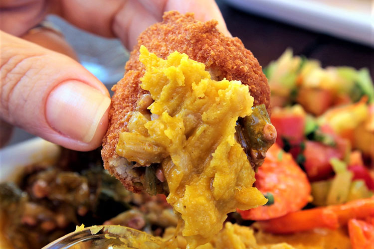 must try foods in brazil - acaraje
